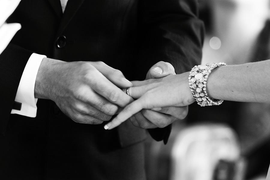wedding-photography-surrey-wedding-rings