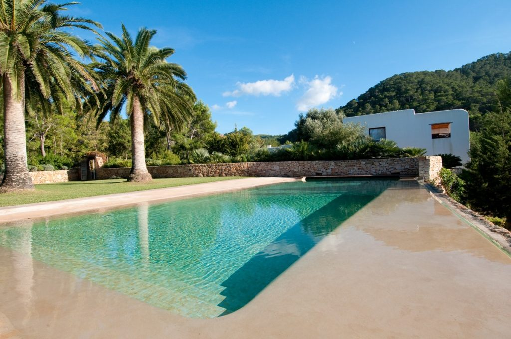 Easter villa in Ibiza - heated pool